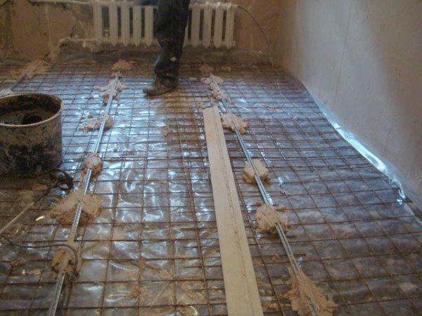 Алюминиевые направляющие позволят качественно выровнять стяжку