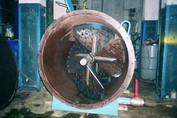 Аппарат для тщательного смешивания всех необходимых компонентов