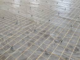 Армирование с использованием металлической сетки на специальных подставках