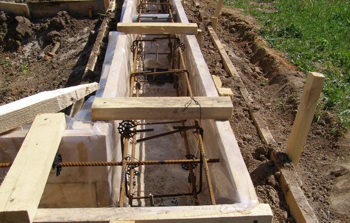 Армирование с использованием специальных зажимов и стальной проволоки