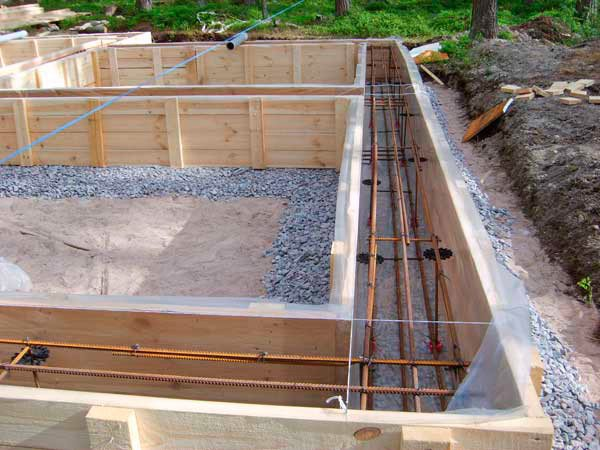 Армированная заготовка под заливку конструкции.