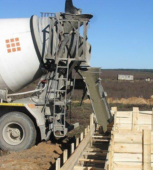 Автобетоносмеситель – машина для заливки бетона