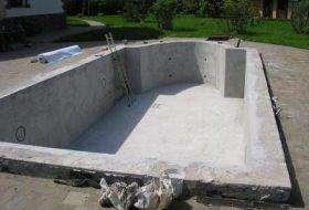Бассейн, вылитый с использованием бетона В20