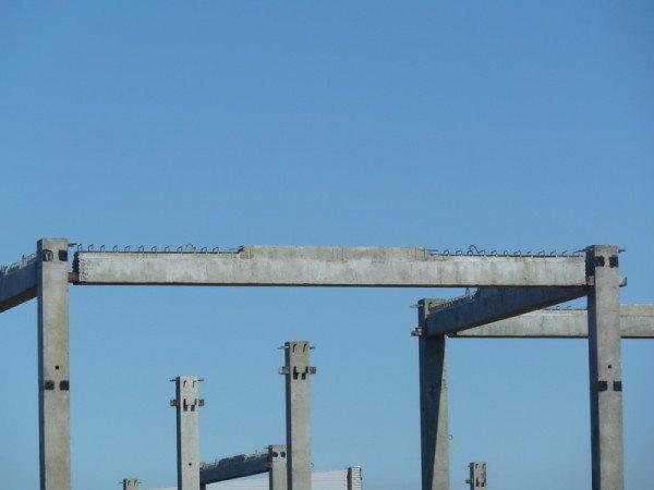 Бетонные ригеля - части каркасного строительства