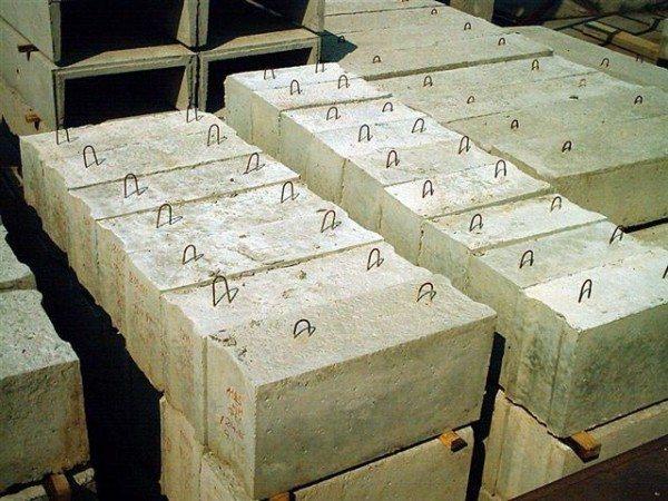 Блоки могут иметь самую различную конфигурацию, при необходимости их даже могут изготовить вам под заказ
