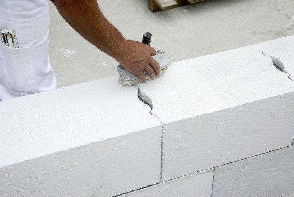 Чтобы построить дом в срок – очень важно учесть все нюансы рабочего процесса, в частности, произвести подсчет строительных материалов