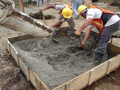 Чтобы приготовить качественный бетон, имеющий заданные свойства, нужно осуществить подбор его компонентов.