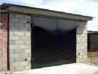 Для небольших строений или хозяйственных построек лучше всего использовать односкатные крыши, поскольку в данной ситуации они наиболее эффективны и экономны