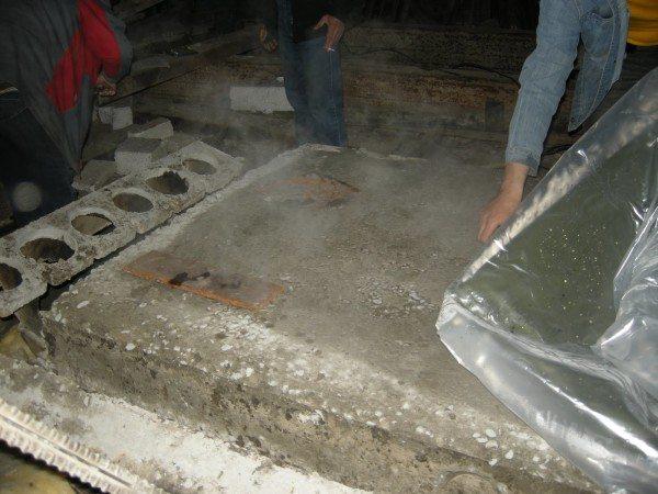 Для правильного застывания бетона необходимо соблюдать технологию производства