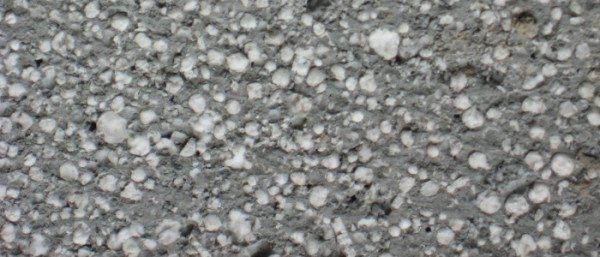 Для снижения теплопроводности в раствор можно вводить полистирольные гранулы