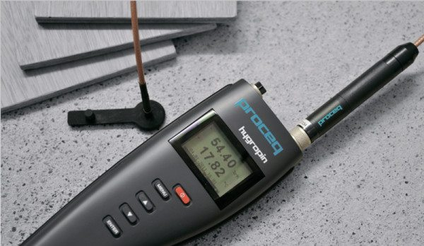Для точного определения влажности материалов можно использовать специальный прибор - гигрометр.