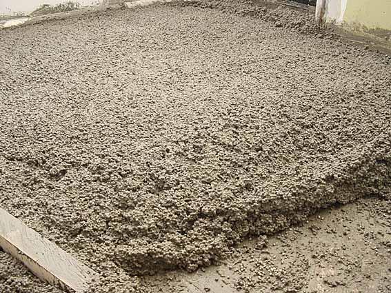 Для того чтобы добиться хорошего утепления с использованием этой технологии необходимо заливать большие слои