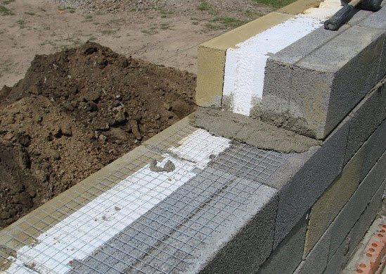 Для ячеистых бетонов характерна малая масса