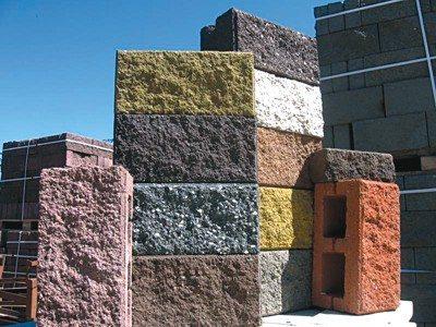 Добавьте красителей и у вас получатся цветные блоки
