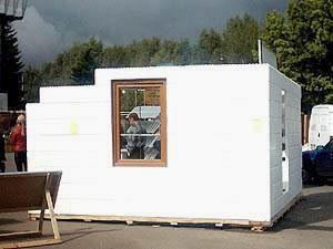 Дома из пенопласта и бетона возводятся быстро и соответствуют всем необходимым нормам