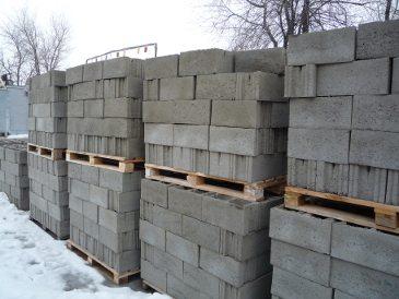 Если бюджет не столь ограничен, то можно приобрести готовые блоки
