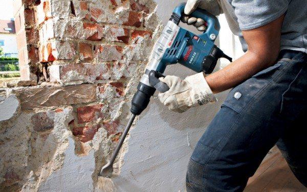 Если вам необходимо снять толстый слой бетона, то без механического воздействия не обойтись