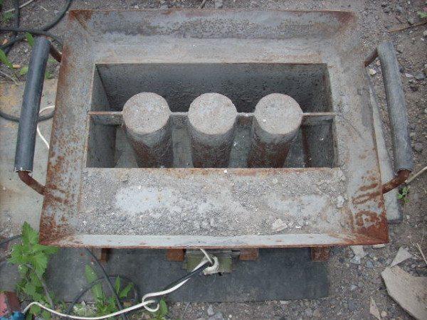 Форма для изготовления пустотелых блоков