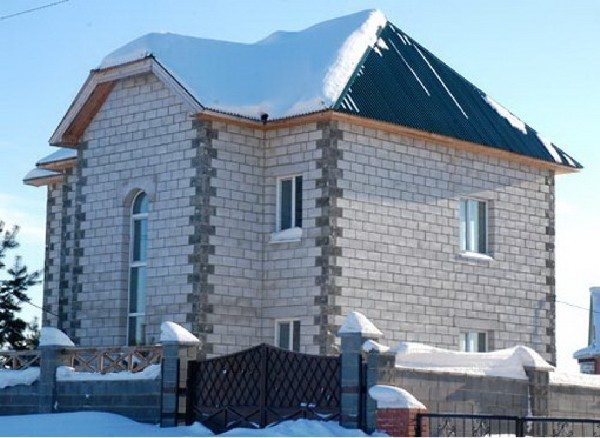 Фото частного дома из газобетона.