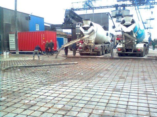Фото заливки промышленного объекта.