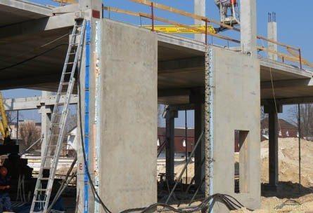 Фото железобетонных плит, которые предназначены как раз для строительства жилого здания