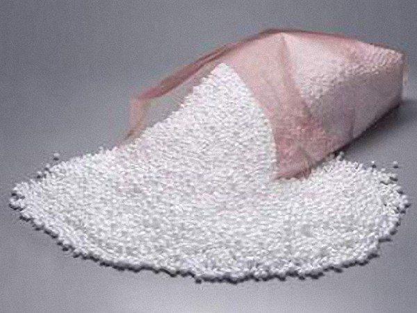 Гранулы пенопласта обеспечивают отличные теплоизоляционные свойства при небольшой массе изделий