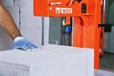 Использование специальных стационарных станков обычно производится на больших предприятиях или при работе на объекте, где будет значительный объем работ для такого агрегата