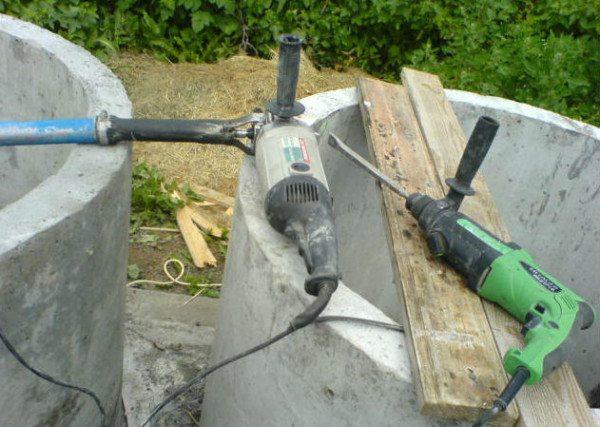 Использование в качестве вибратора по бетону перфоратора и болгарки