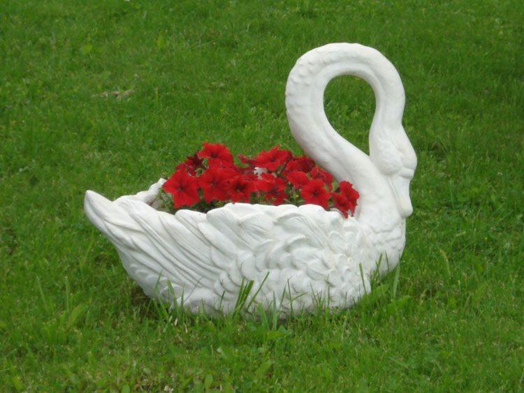 Гипсовые изделия для сада
