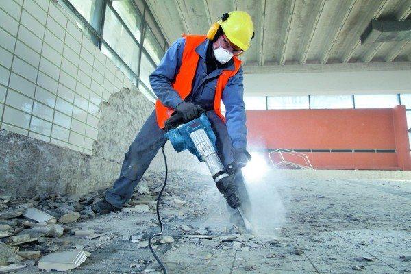 Как происходит демонтаж бетонной стяжки