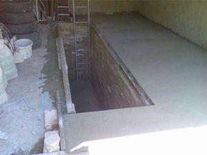 Как самостоятельно выровнять пол из бетона в гараже