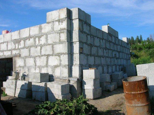Как строится дом из пенополистиролбетонных блоков