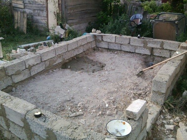 Керамзитобетонный фундамент для бани.
