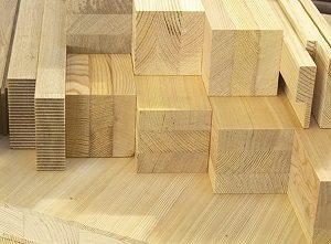 Клееные изделия имеют свои определенные свойства, отличающиеся от массива древесины, но при этом их стоимость обычно в несколько раз выше