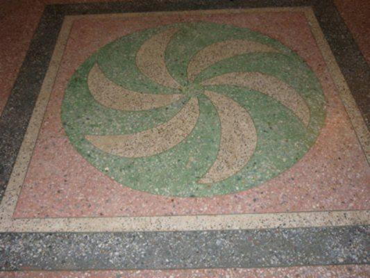 Красивые бетонные полы с мраморной крошкой
