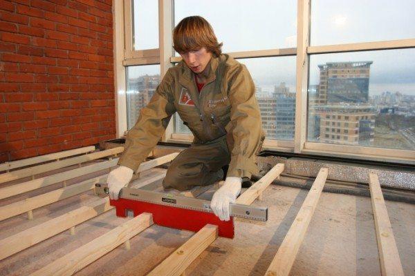 Лаги для монтажа деревянного покрытия.