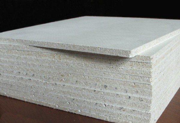 Листовой материал отлично подходит для внутренних отделочных работ, так как он несет не только декоративную функцию, но и улучшает звукоизоляцию и удерживает тепло
