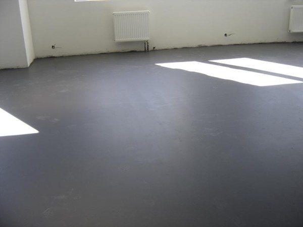 Любительское фото готового покрытия из бетона с идеальной гладкостью