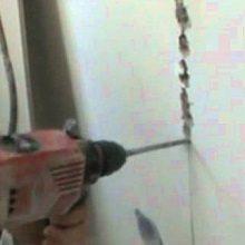 Любительское фото, процесса изготовления штробы с использованием обычного перфоратора