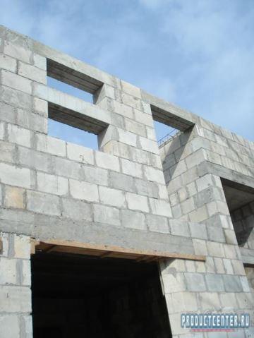 Любительское фото строения выполненного из данного материала