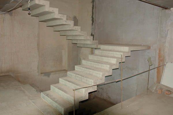 Маршевые монолитные бетонные лестницы