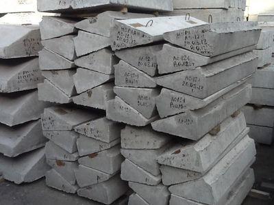 Массивные железобетонные изделия обычно производятся с монтажными петлями.