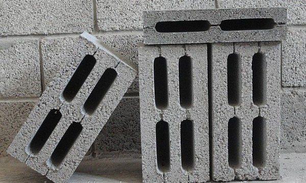 Материал для возведения стен