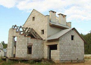 Многие выбирают данный вариант в качестве основного материала для возведения дома
