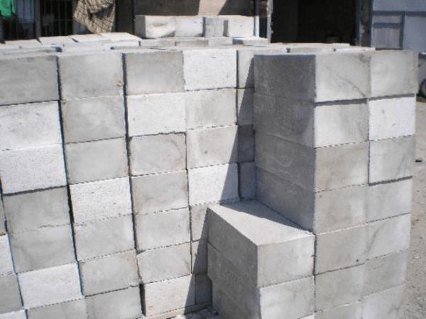 Монолитные блоки из пенобетона.