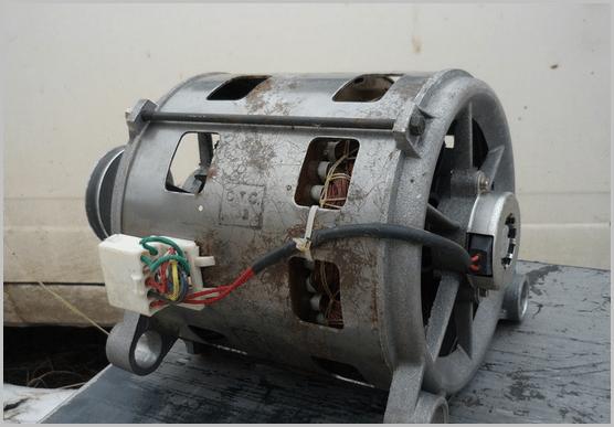 На фото - асинхронный двигатель, который можно применить в качестве электропривода на мешалке