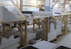 На фото - склад готовых изделий для оформления фасада