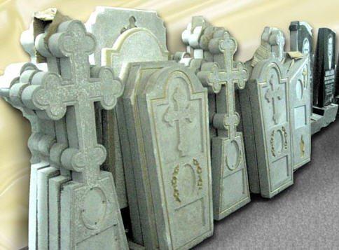 На фото: формы для изготовления памятников из бетона разнообразны, важно подобрать вариант, который подходит вам больше всего