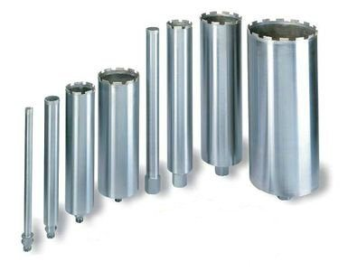 На фото коронки для сверления отверстий в бетоне различного диаметра.