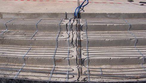 На фото расположение греющих проводов ПНСВ